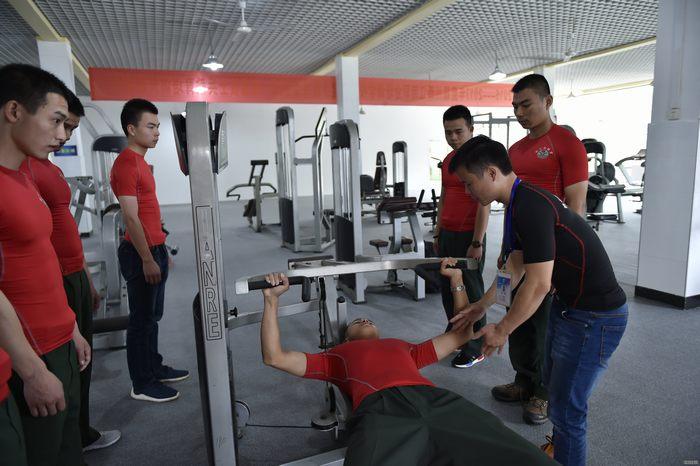 职业健身教练.jpg